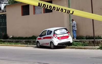 Ejecutan a un taxista; vecinos se esconden por temor a balas perdidas