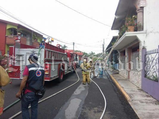 Se incendia vivienda en Los Filtros.