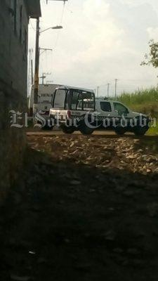 Balean autobús en colonia Esperanza: dos muertos.