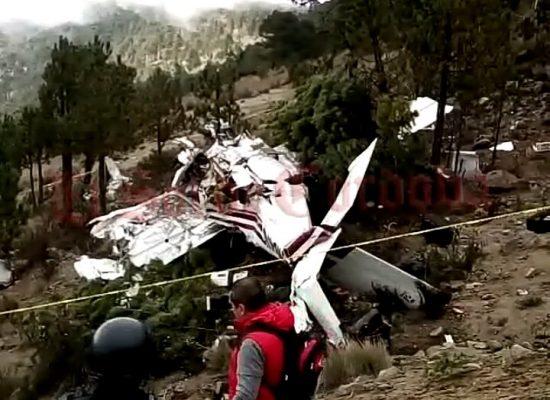 Mueren tres al desplomarse avioneta en el Pico de Orizaba [VIDEO]