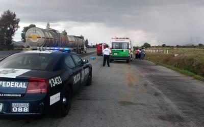 Muere adolescente al salir eyectado de camioneta