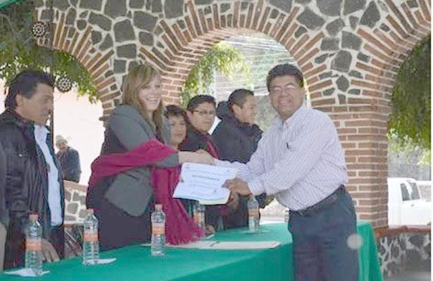 Detienen a ex alcalde de Tetela del Volcán