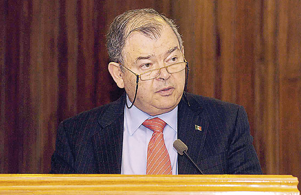 Renunciaría Elías Azar a su cargo en el Tribunal Superior de Justicia