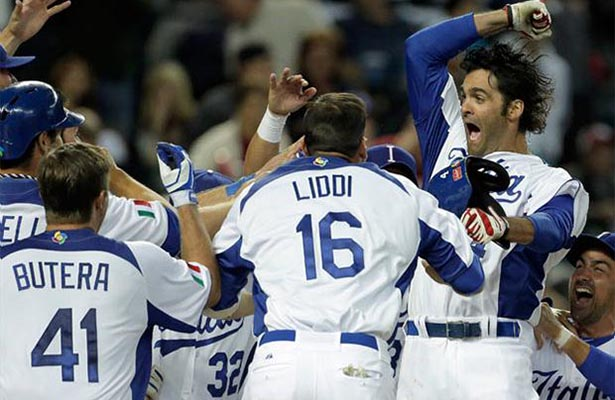 Italia muestra coraje y derrota a México 10-9 en beisbol