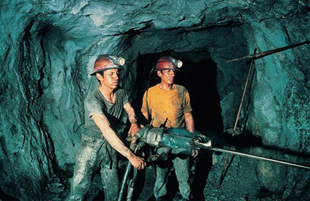 Desaceleración en China frena inversión en minería