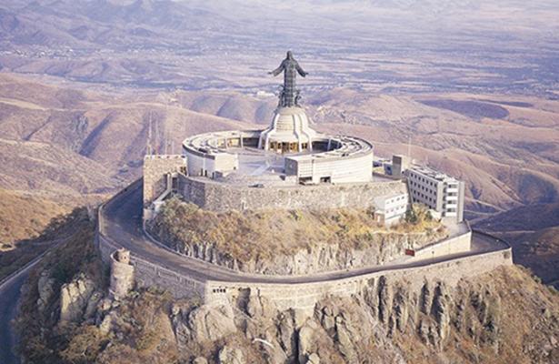 Avalan teleférico al cerro del Cubilete, en Guanajuato
