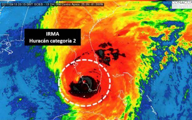 Tras tocar tierra en Florida, huracán Irma se degrada a categoría 2
