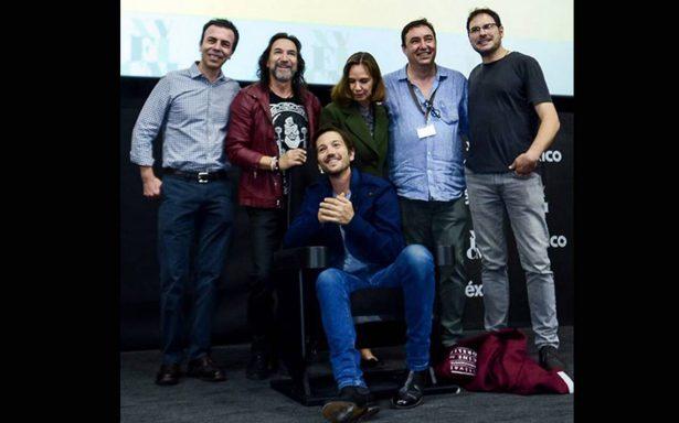 Diego Luna revela el bochorno de usar un pene falso en 'Y tu mamá también'