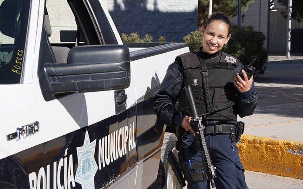 Cindy: la mujer del rifle ¿Se puede ser femenina siendo una mujer policía?