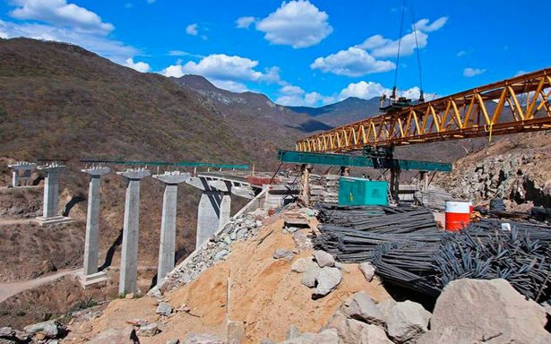 Paran obras de autopistas Mitla-Tehuantepec y Oaxaca-Costa; reiniciarán hasta diciembre