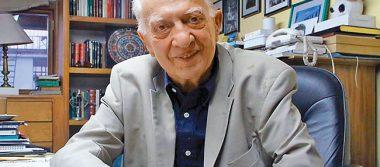 Escritor Sergio Pitol, enfermo pero no aislado