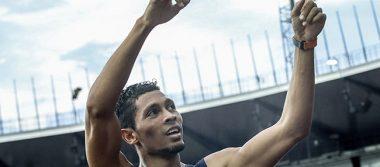 Van Niekerk bate el récord del mundo