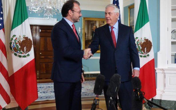 Tillerson ofrece ayuda a México tras terremoto y huracán