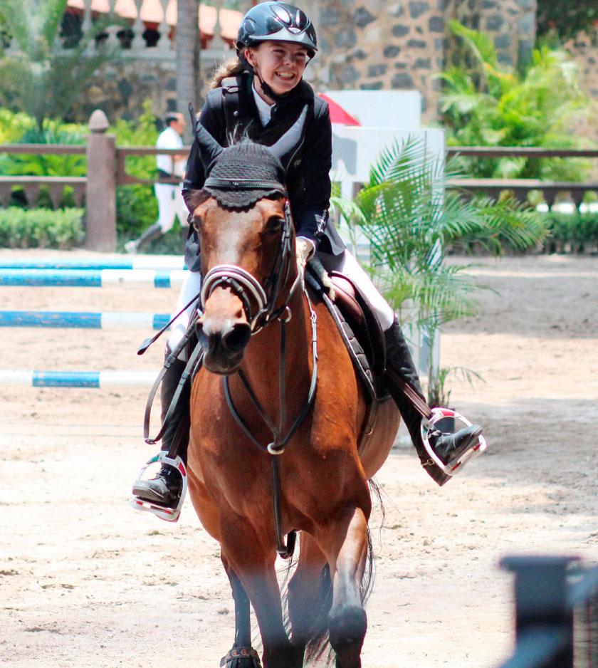 """Isabela Estrada logró el primer lugar en el """"Show Park Summer"""", en California, Estados Unidos."""