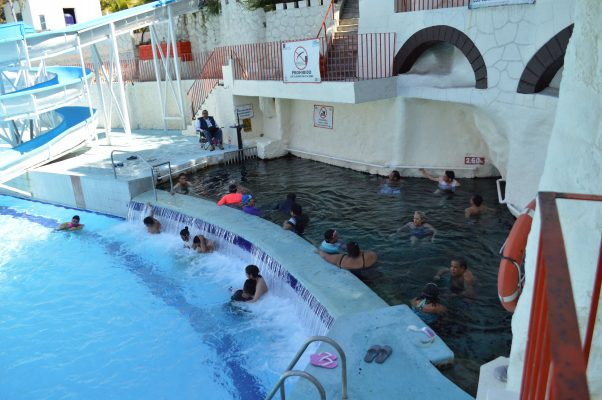 "Incrementan visitantes al balneario ""Agua Hedionda"""