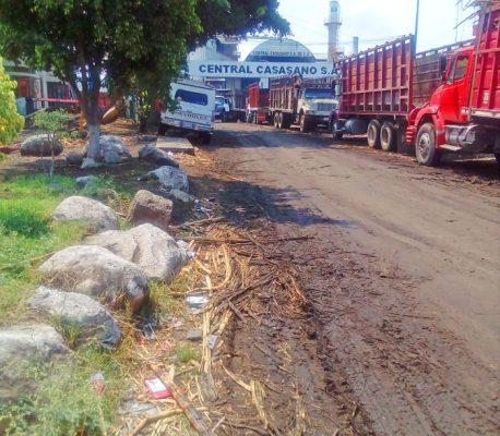 En mal estado caminos de zafra en Casasano