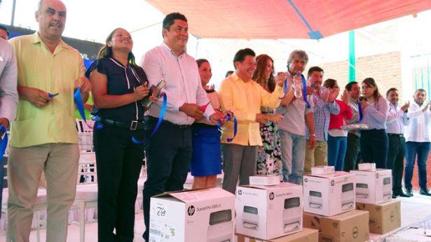 Llega el registro civil a la Juan Morales