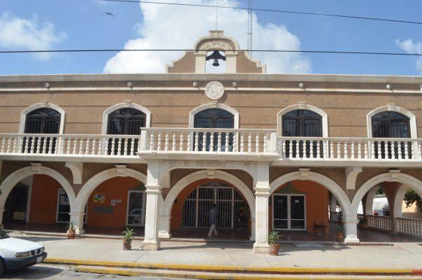 Debe la Comuna más de medio millón de pesos a ex trabajadores