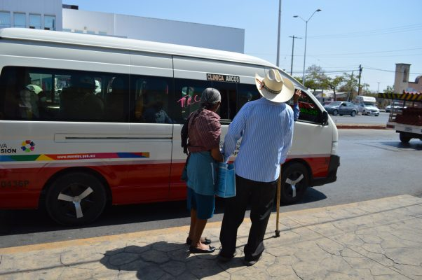 Quéjense por falta de descuentos en transporte, dicen a adultos mayores