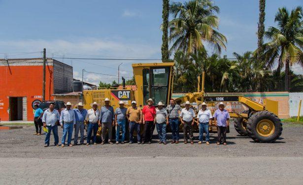 Mejoran caminos de  saca en Axochiapan