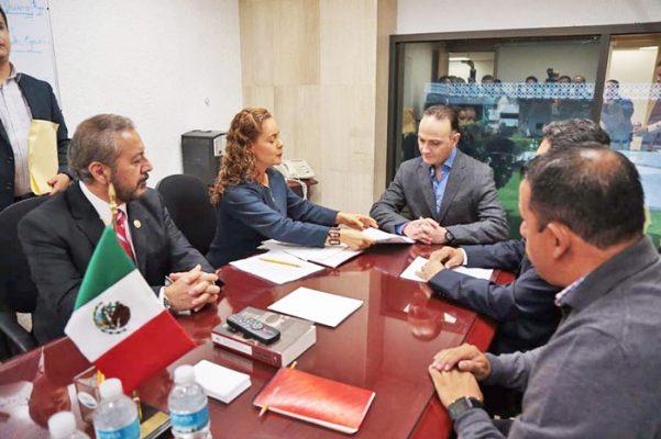 Solicitan diputados priístas juicio político contra Graco