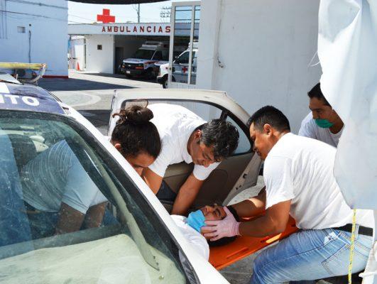 Capacitan a cuerpos de emergencia sobre extracción vehicular