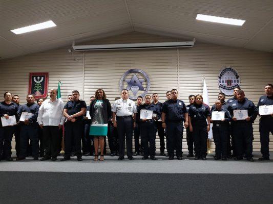 El comisariado de Seguridad, Alberto Capella Ibarra, entregó reconocimientos a los policías. Foto Cortesía