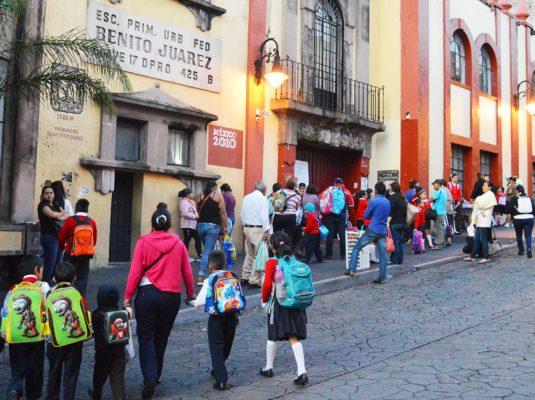 Con entusiasmo, los alumnos regresarán hoy a clases. Foto de Archivo