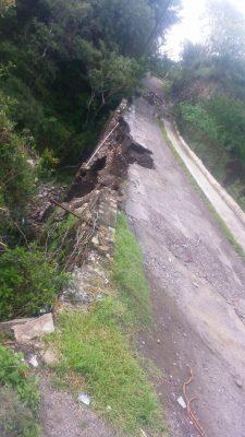 Se derrumba puente en Tlayecac