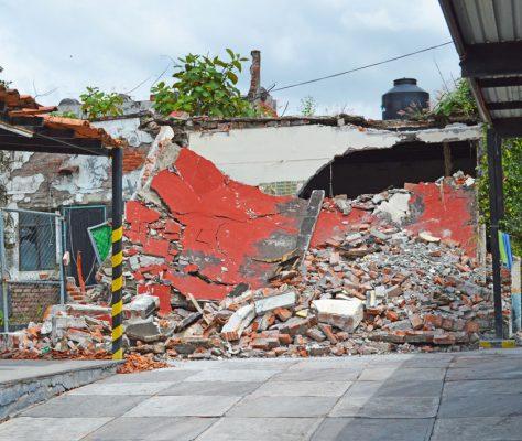 Varias familias en Cuautla se quedaron sin casa; unas colapasaron en el sismo y otras fueron demolidas.