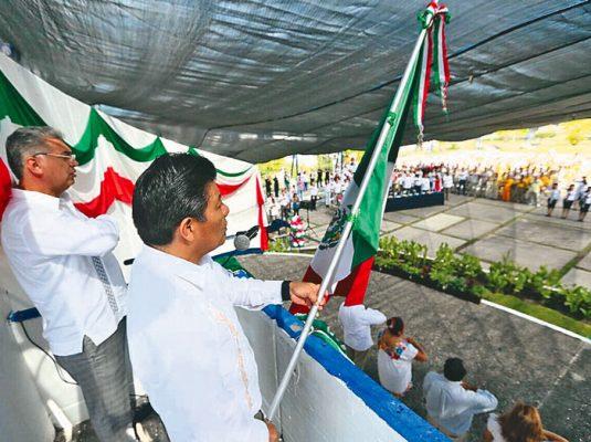 Celebra Matías Quiroz el 207 aniversario de independencia