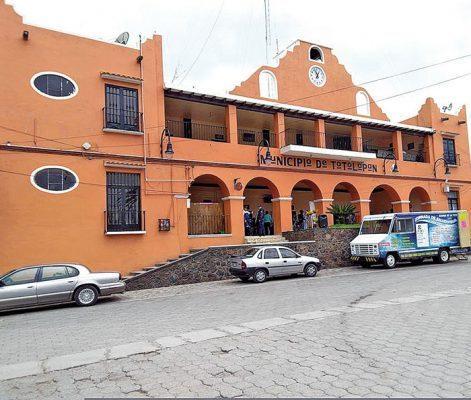 Dos años de prisión a ex tesorero de Totolapan por desvío