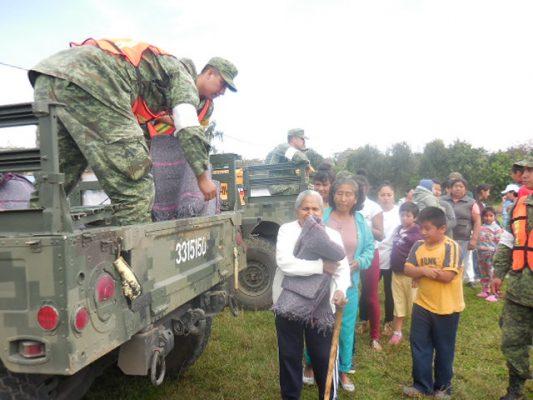 Entrega Ejército víveres en Totolapan