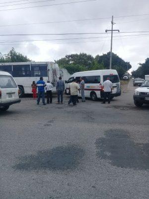 Detienen tres unidades de la Ruta 21 A en Jonacatepec