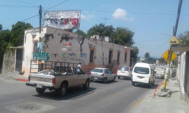 Temen vecinos por colapso de casa en Cuautla