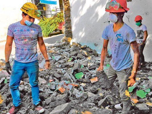 Inician demolición de 171 casas