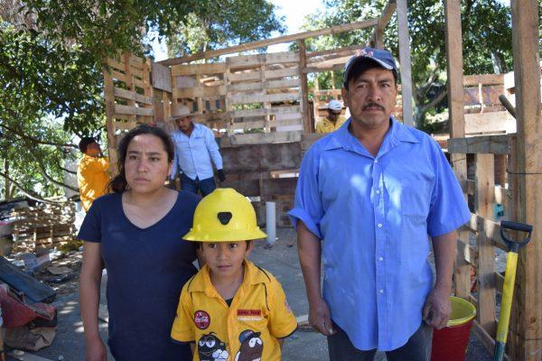 Construyen primera casa con materiales reciclados