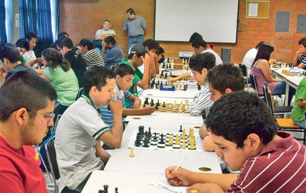 En grande, torneo de ajedrez Sisniega