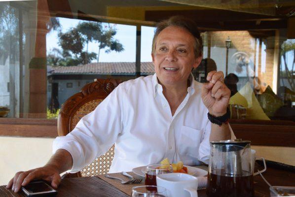 Hay que rescatar la política: Jorge Meade