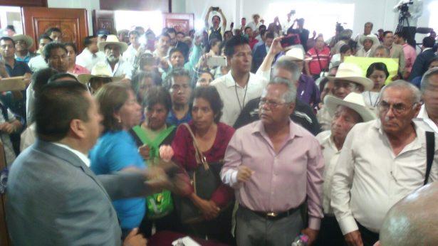 [VIDEO] ¡Exigen municipalización!