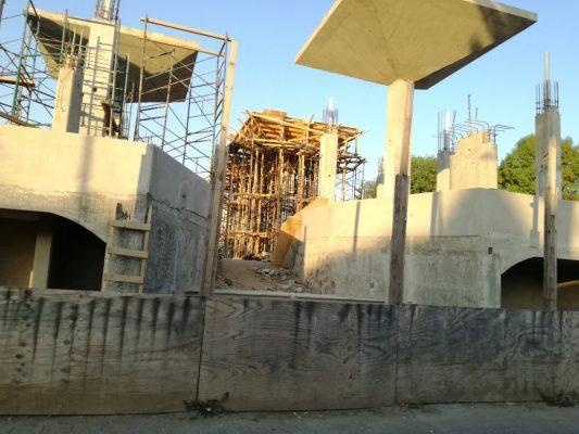 Detienen construcción del mercado de Totolapan