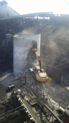 Concluirá la demolición del chacuaco de Zacatepec