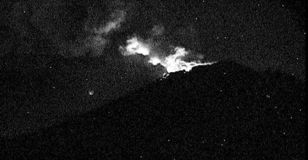 [VIDEO] Lanza Popocatépetl fragmentos incandescentes