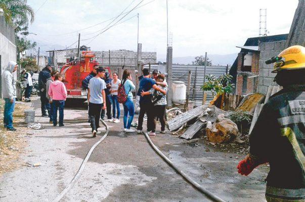Apoyan a víctimas de incendio