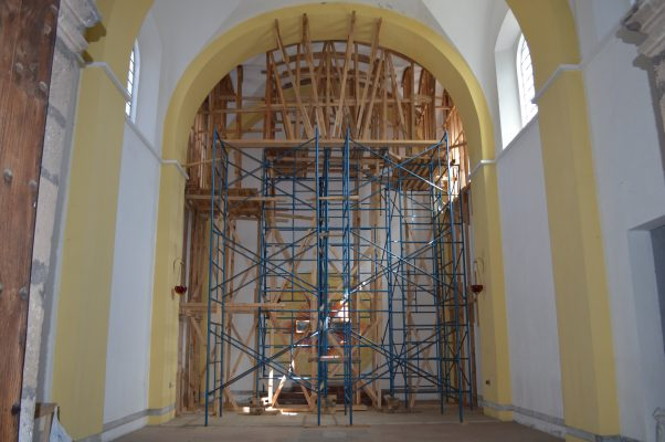 Iglesias dañadas,sin avances