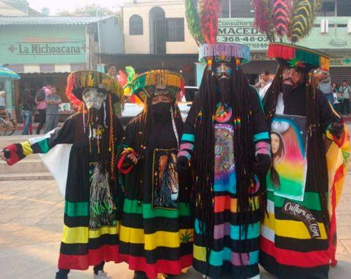 Repudian a nuevos chinelos con rastas en Tlayacapan