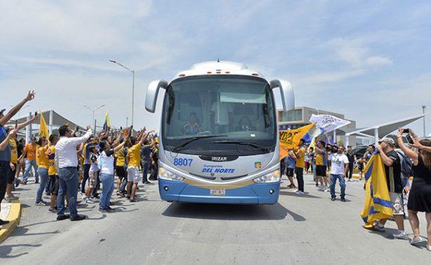 Afición despidió a los Tigres rumbo a Guadalajara