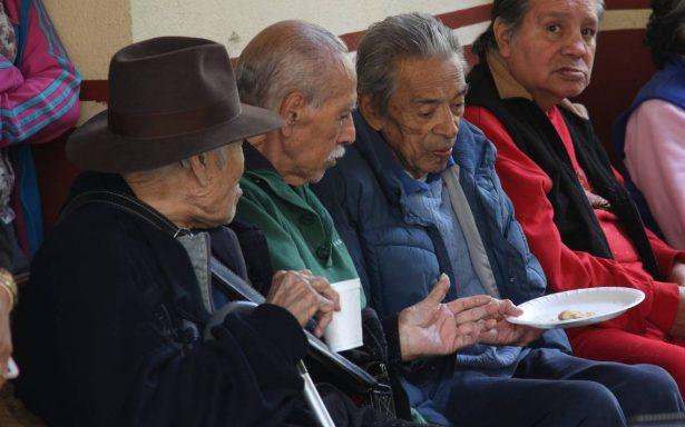 Son mínimas las pensiones para los adultos mayores; viven de ayuda asistencial