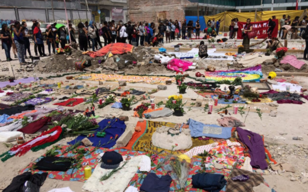 Brigadistas realizan memorial por víctimas del sismo en colonia Obrera