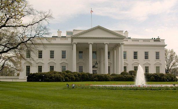 Renuncia Mike Dubke, director de comunicaciones de la Casa Blanca